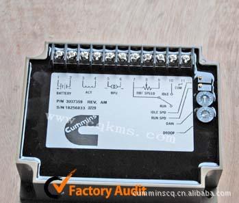 康明斯发电机配件东风康明斯控制器3037359