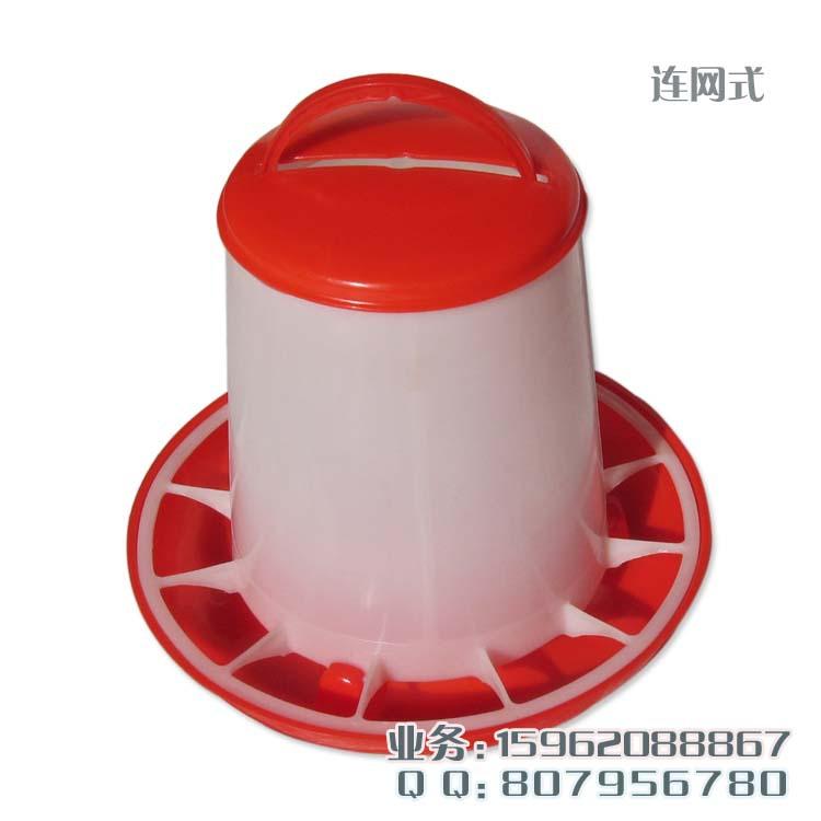 鸡食槽图片_供应利用便宜量大的废标签纸生产塑料鸡食槽机