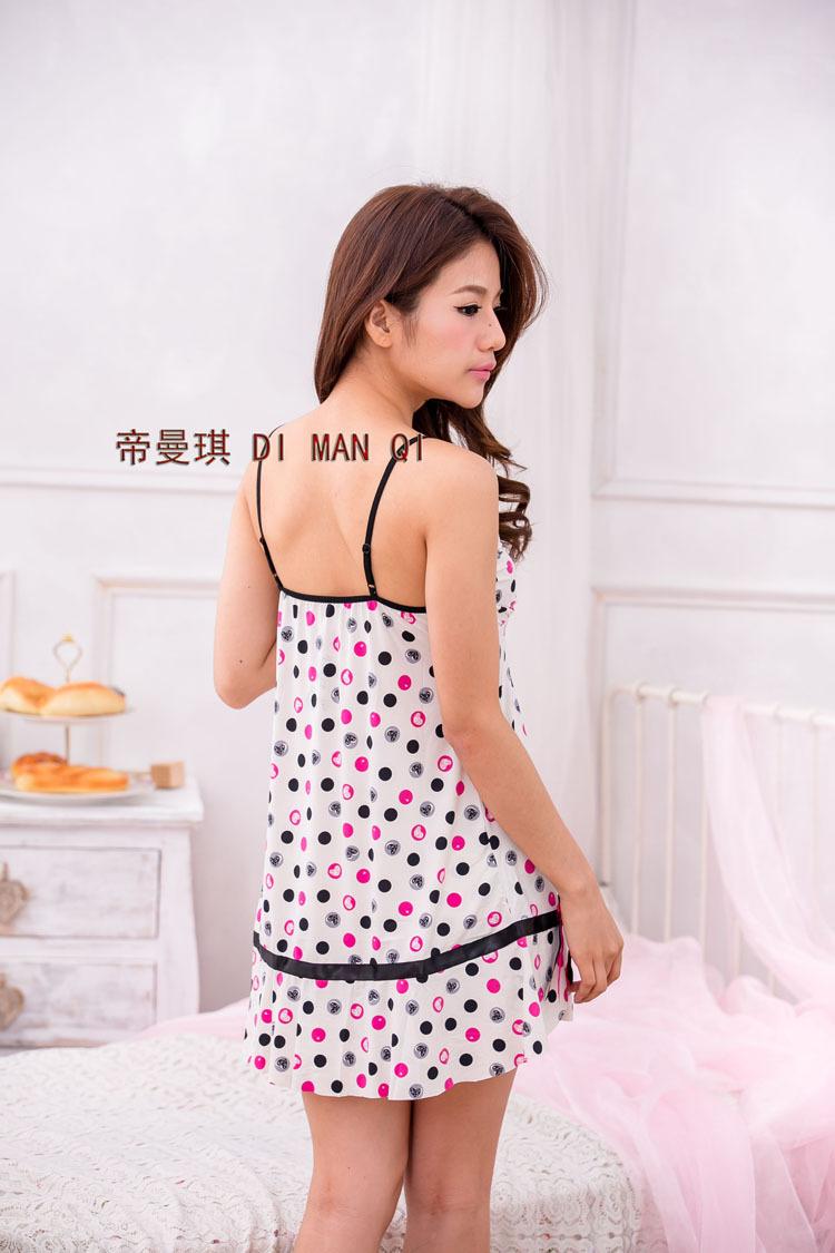 波点牛奶睡衣,丝滑a牛奶.如情趣般的细腻,穿着绝对舒适!青岛市北区情趣用品图片