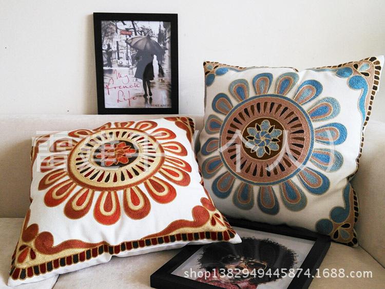 创意民族风刺绣汽车抱枕 靠垫 靠枕含芯沙发靠背垫 婚庆新房礼品 -价