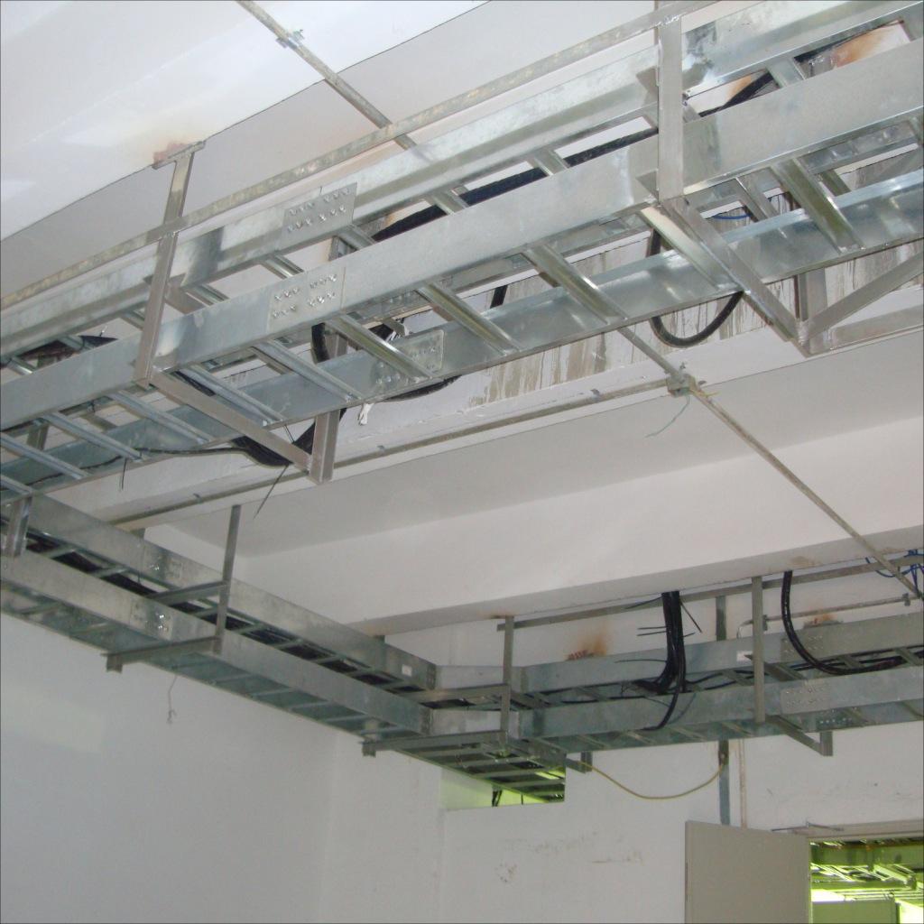 【梯级式热镀锌电缆桥架 电缆承托承重用托架-热镀锌桥架价格 热镀锌
