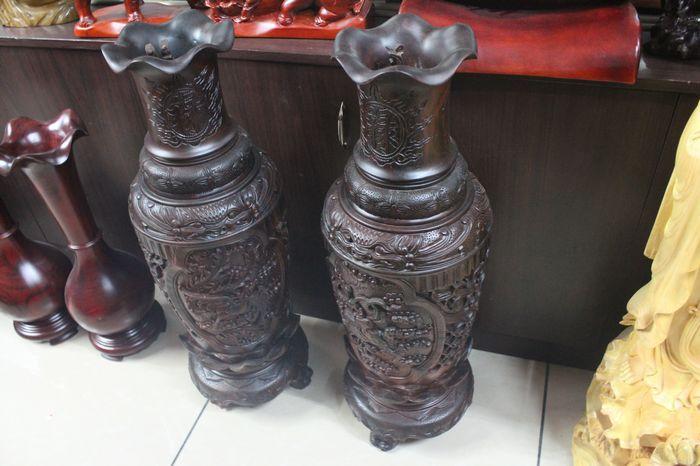 尺寸:28公分花口花瓶,30 40公分花口花瓶,30公分贝壳花瓶,30公分雕刻花瓶,40 50公分葫芦福禄,40公分宝葫芦,40公分大肚花瓶,40公分花梨木古色花瓶,40公分龙华富贵花瓶,50公分长颈花瓶,50公分花瓶,80公分长颈花瓶,一米长颈花瓶,60公分酸枝木花瓶,大花梨木花瓶,龙凤花瓶,荣华富贵花瓶