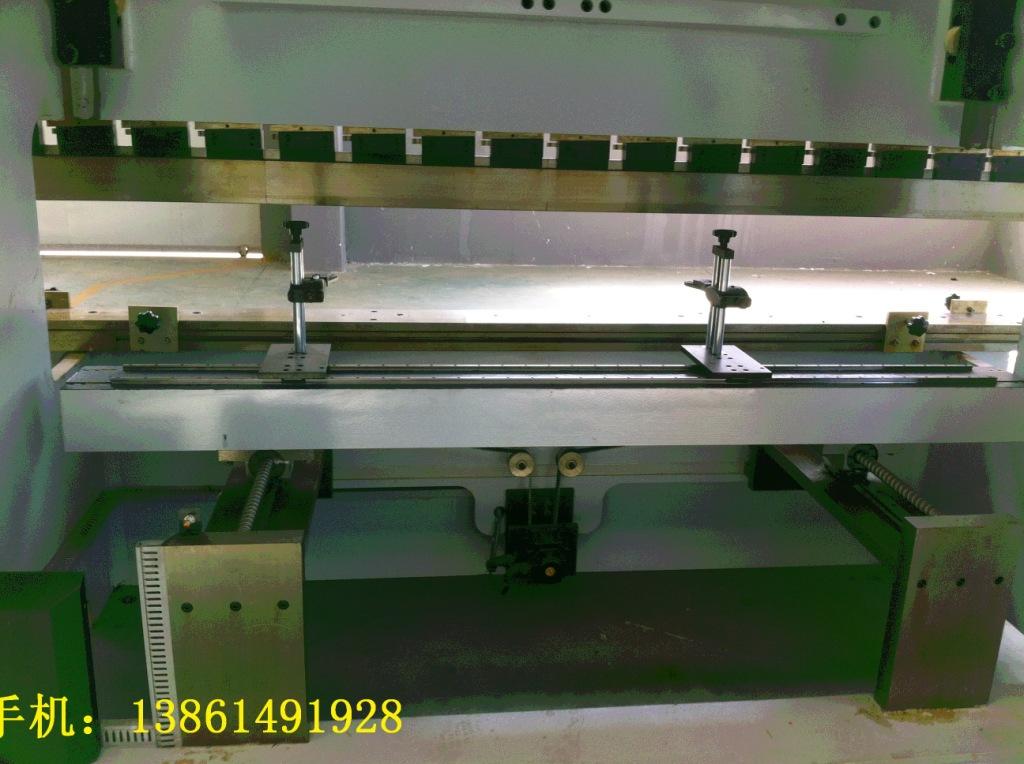 数控液压折弯机 台湾技术 江苏制造 小型折弯机专家图片