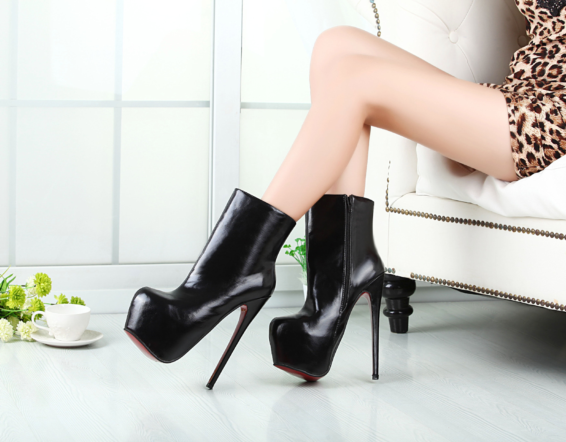 CD transsexuals large size 19 cm high with 40-46 female short boots's main photo