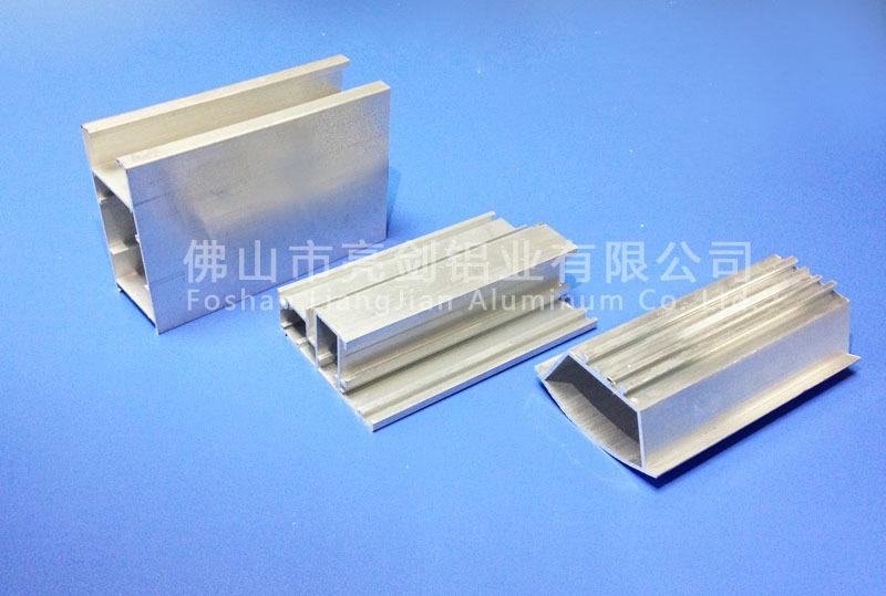 厂家直销 工业铝型材 重型推拉门 喷涂 氧化 电泳 国标 铝合金图片
