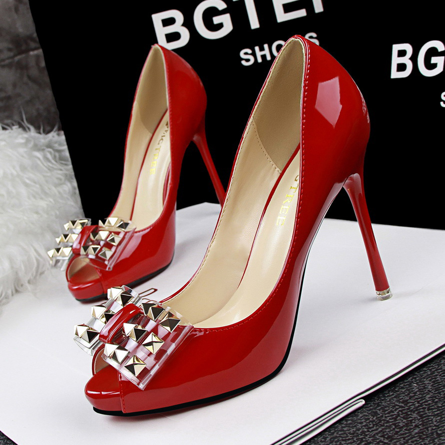 Korean fashion show thin Pedicure with ultra fine high-heeled waterproof shallow mouth mouth rivet Bow Shoes's main photo