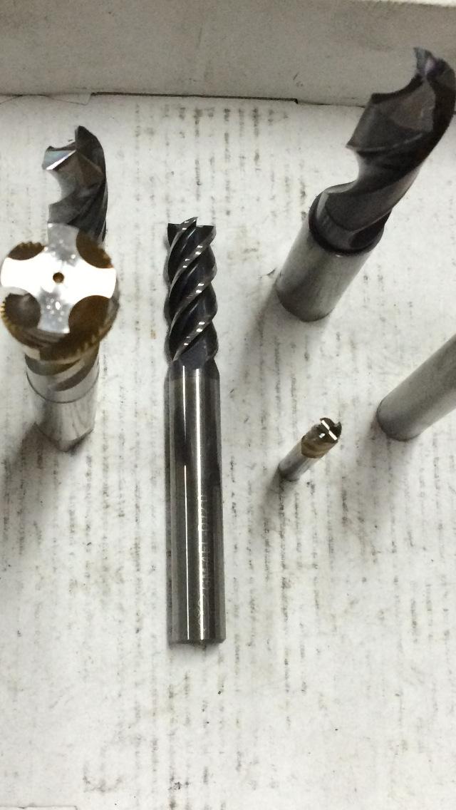 厂家数控专业修磨数控铣刀丝攻钻头数控刀片等等图片