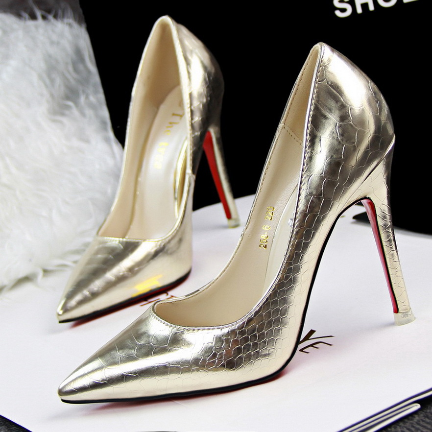 And the wind sexy thin fine with high-heeled shoes at shallow mouth pointed snake shoes high-heeled shoes's main photo