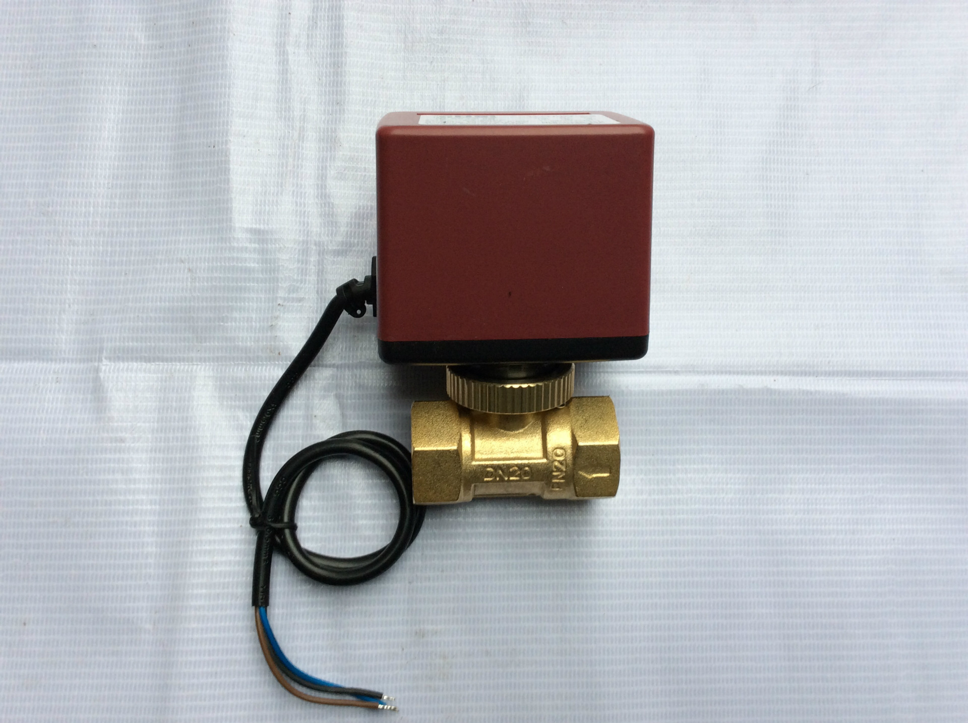 中央空调二通电动阀 黄铜阀球阀 温控器电动阀图片