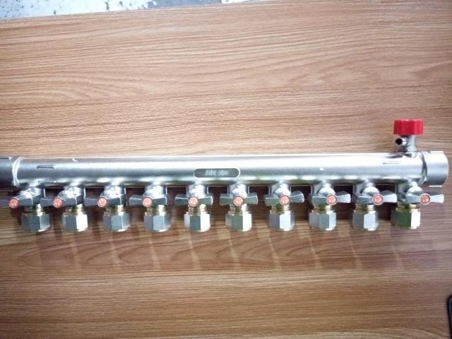 康泰脱卸活结式 东韩加厚纯铜锻压一体1寸铜球地暖地热分水器图片