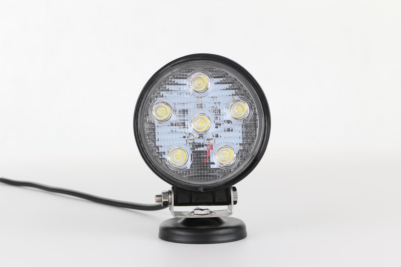 厂家供应 18W汽车led工作灯 越野车灯 汽车工程射灯 LED车顶灯