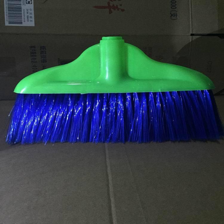 长期供应塑料吼货扫把,跑摊扫把,供应搞活动丢货