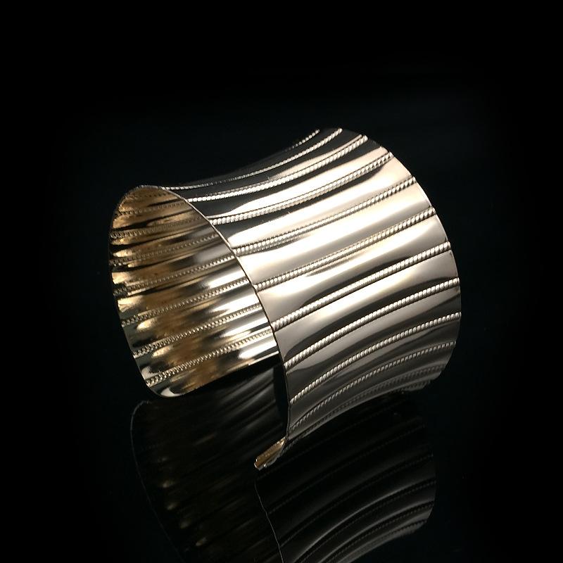 8477 2016新款 时尚流行百搭手镯 金属几何波浪纹金银夸张臂环